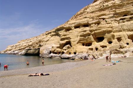 Οι σπηλιές στα Μάταλα