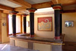 Κνωσσός, το δωμάτιο με τις τοιχογραφίες πάνω απ το δωμάτιο του θρόνου