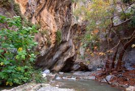 Φαράγγι της Σαρακίνας, Μύθοι Ιεράπετρας